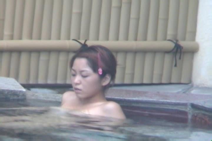 【盗撮】温泉露天風呂盗撮、美人発見・・・